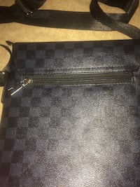 Lv shoulder bag Calgary, T2K 4V5