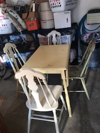 Drop Leaf Table W/4Chairs  Canton, 44721