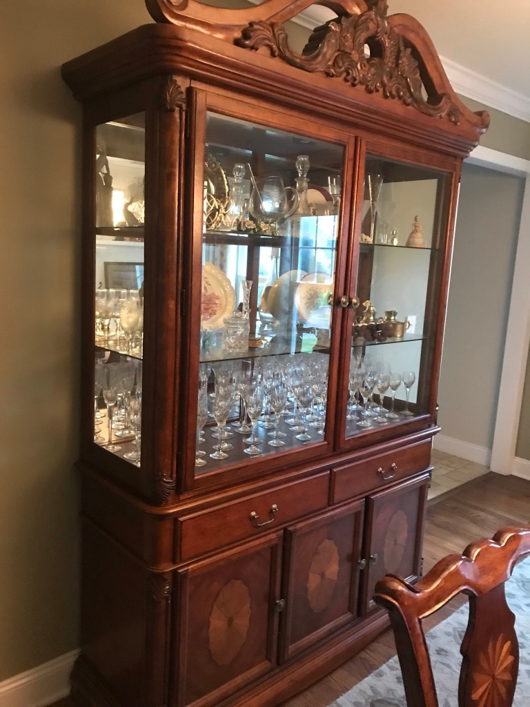 dining room set hutch table with leaf 6 side chairs and 2 arm chairs rh tr letgo com