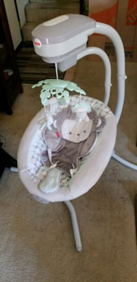 baby's white and gray cradle n swing Los Angeles, 90066