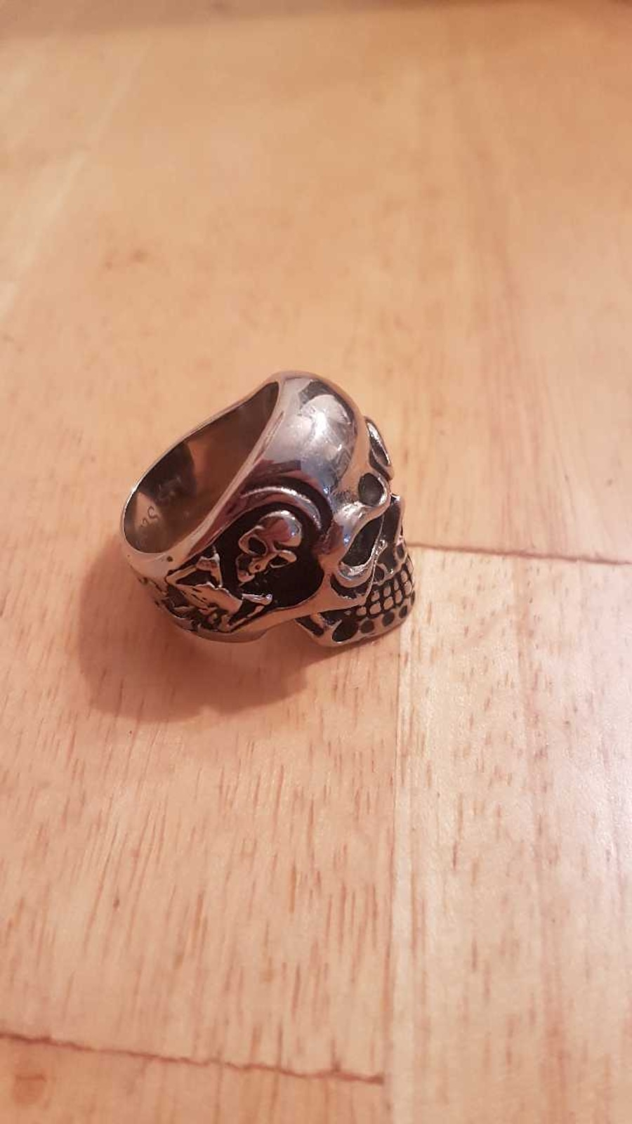 Men's stainless steel skull ring with Swarovski  - Calgary