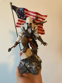 Assasin's creed game statue figurine Whitby, L1N