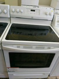 Kenmore smooth top white electric stove Cleveland, 44109