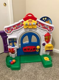 Fisher Price play house  Springfield, 22152