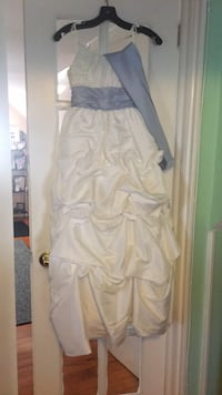 Flower girl dress white and light purple bow tie size 12 Cranford, 07016