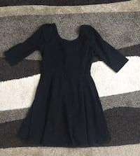 Little Black Express Dress size Medium  Saint Peters, 63376