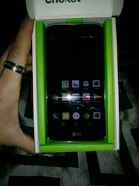 black LG Android smartphone with box 413 mi