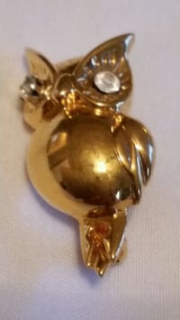 Owl  broach gold 10k  top  heavy layer   tested Oshawa, L1K 0B9