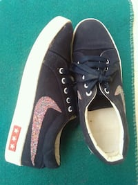 pair of black Vans low-top sneakers Gurugram, 122413