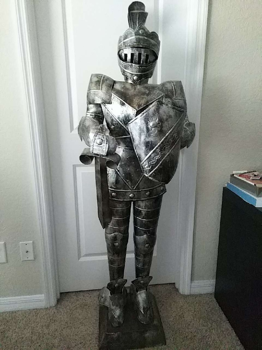 5ft Decorative Knight / Suit of Armor