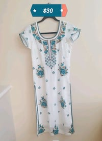 white and blue floral scoop-neck dress 3144 km