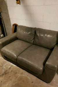 brown leather 2-seat sofa Hueytown, 35023