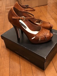 Steve Madden heels. Still in box. Never worn Vaughan