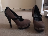 Heels size 8 GREAT CONDITION ONLY WORN ONCE  Lancaster, 17602