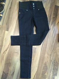 Leggings $15 each or 2 for $20  size small Vancouver, V6J