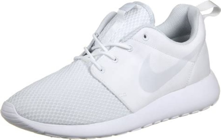 Pair of white low top sneakers 24f49a32-a746-4dde-a317-3f4cae79d196