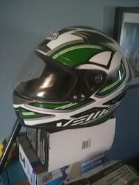 white and green full-face helmet with box Smiths Falls, K7A 3K2