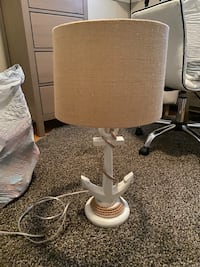 Lamp with decorative anchor