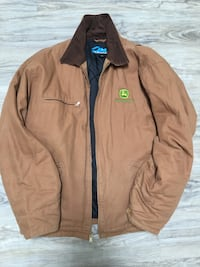John deer men's jacket size L used condition -lots of life left few soil stains here and there smoke free home  London, N5W 6E3