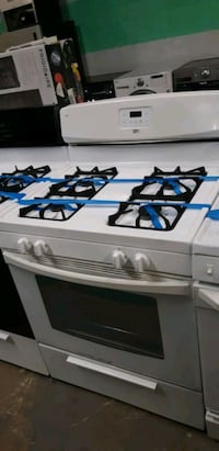 Gas STOVE WORKING PERFECTLY  Baltimore, 21201