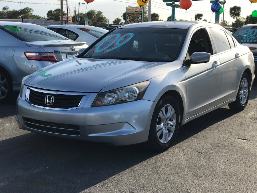Used 09 honda accord in melbourne for Honda finance phone number