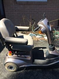Gray mobility scooter missing charger and key. Toronto, M1P