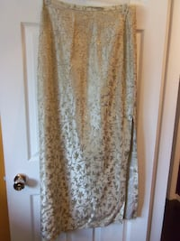 size large long skirt $15 Central Okanagan
