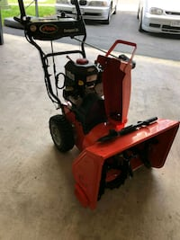 Ariens Deluxe 24 24-in Two-stage Gas Snow Blower  21 km