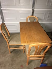 Table w/3 chairs Manteca, 95336