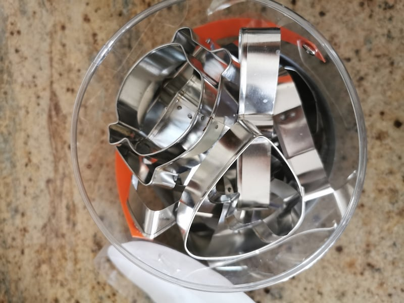 Cookie cutter set 18 pieces 2