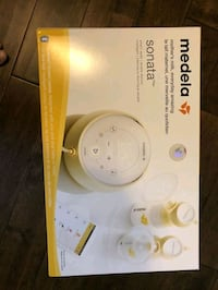 Medela Sonata Almost Like New! Toronto, M6H 3Z2