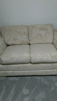 white and tan cloth  2-seat sette Sterling Heights