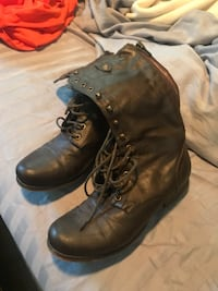 Pair of brown leather boots size 9 Carbondale, 62901