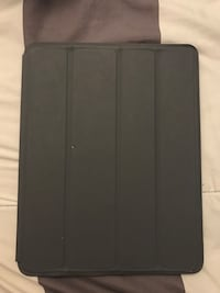 White iPad 2 with case & keyboard Piscataway, 08854