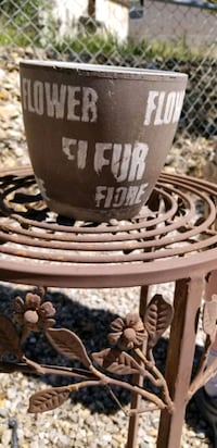 """Flower"" Garden Pot Albuquerque, 87113"