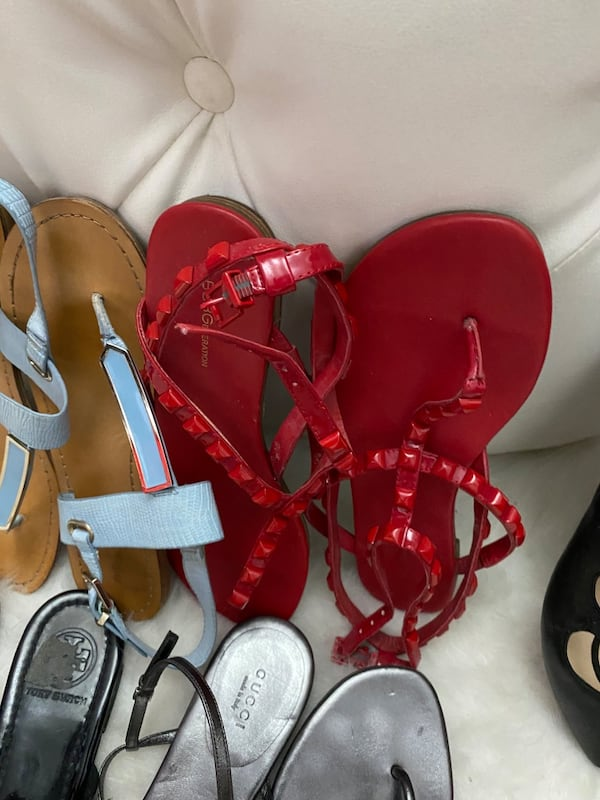 10 pairs of shoes sizes 71/2 and 8 ec60ba96-830a-46b6-8786-422826d1b70a