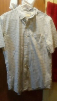Men'sDress up shirt color cream Brooklyn, 11207
