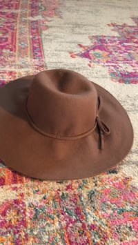 black and brown fitted cap Newport Beach, 92663