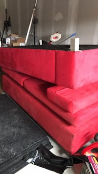 Red suede 3-seat sofa Bradford West Gwillimbury, L3Z