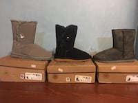 Three unpaired blues gray, and brown ugg suede sheepskin snow boots with boxes sz #9 New Carrollton, 20784