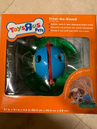 Toy's R Us Pets. Treat-Go-Round Toy Yorba Linda, 92886