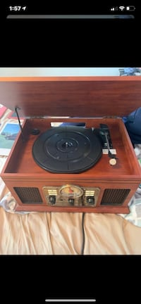 4 in 1 Record Player w/ 5 records Dracut, 01826