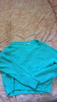 Turquoise slightly cropped knit sweater Sudbury, P3A 2P9