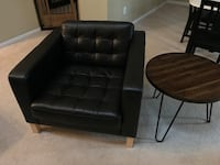 Handsome oversized leather chair Alexandria, 22315