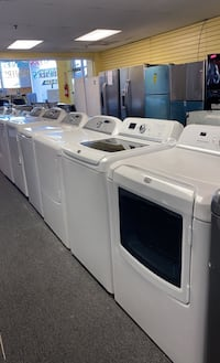 Set washers and dryer excellent condition
