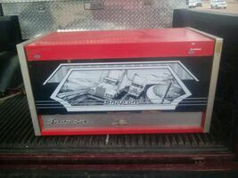 Snap on top tool chest