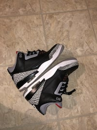pair of black-and-gray Nike Air Max Capitol Heights, 20743