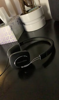 Bowers and Wilkins P2 headphones Vancouver, V6P
