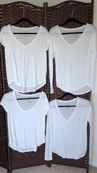 4 white American eagle shirts size small  Vancouver, V5Z