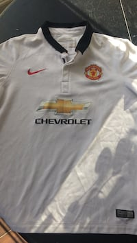 Manchester United - Persie soccer jersey. Size is boys XL. Great for Xmas!